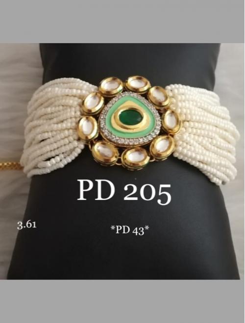 Green Kundan Beads Bracelet